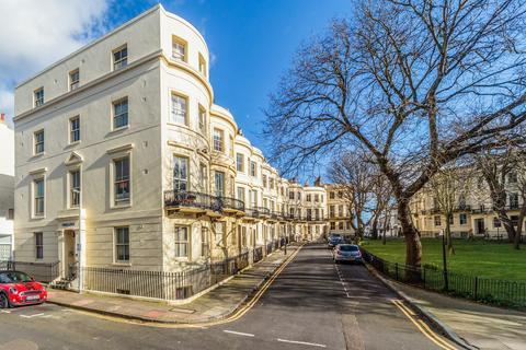 Studio to rent - Powis Lodge, 1 Powis Square, Brighton, East Sussex, BN1