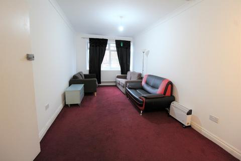 3 bedroom flat to rent - Yiewsley, West Drayton