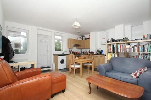 1 bedroom flat to rent - Mount View Road, London