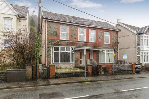 4 bedroom end of terrace house for sale - Llantwit Road Treforest