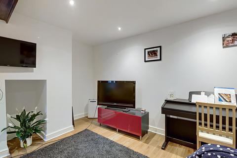 2 bedroom apartment to rent - 2 Bedroom Flat, Princes Road