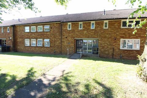 1 bedroom flat to rent - Lyneham Road, Stopsley - Ref:P2509