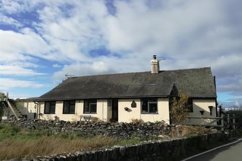 3 bedroom detached bungalow for sale - Llanbedr