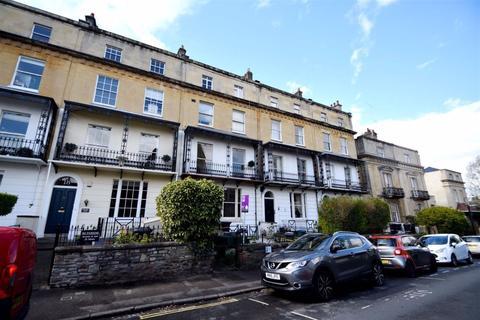 2 bedroom flat to rent - Richmond Park Flat, Clifton