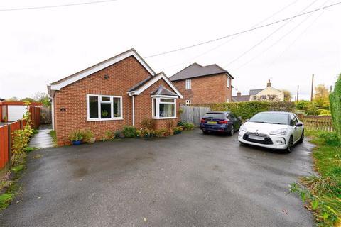 2 bedroom detached bungalow for sale - Rope Lane, Wistaston Crewe, Cheshire