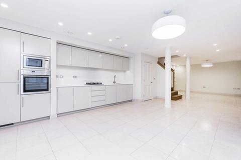 3 bedroom house to rent - Beaumont Street, Marylebone, W1G
