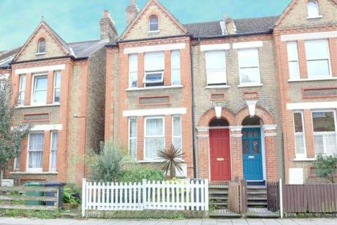 2 bedroom flat - Gipsey Road, Gipsey Hill, London, SE27 9RE