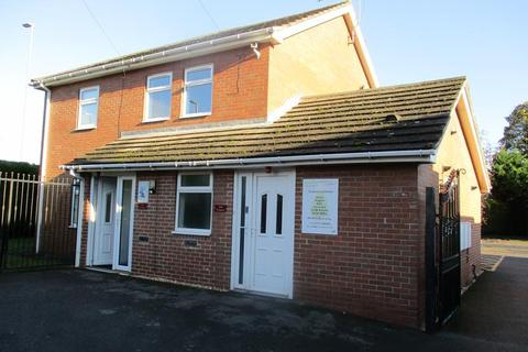 Office to rent - 74 Bridgegate, Retford, Nottinghamshire, DN22 7UZ