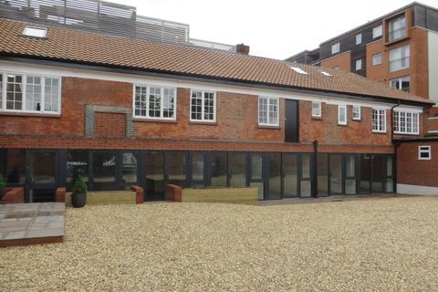 Office to rent - Castle Lane, Bedford  MK40