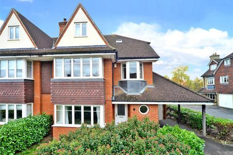 5 bedroom semi-detached house to rent - Lower Green Gardens, Worcester Park, KT4