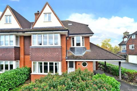 5 bedroom semi-detached house to rent - Lower Green Gardens, Worcester Park, KT4