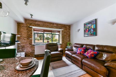 2 bedroom flat for sale - Gowers Walk, London, E1