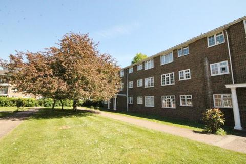 2 bedroom apartment to rent - Kingfisher Drive, Staines Upon Thames, Middlesex, TW18