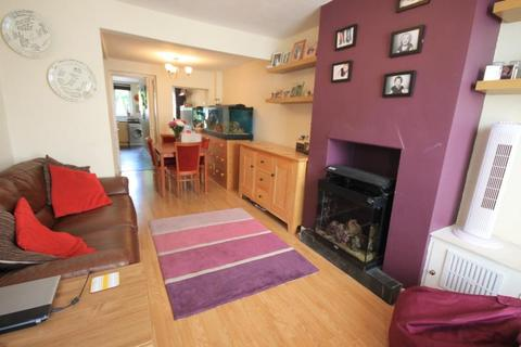 2 bedroom terraced house to rent - London Road, Staines Upon Thames, Middlesex, TW18
