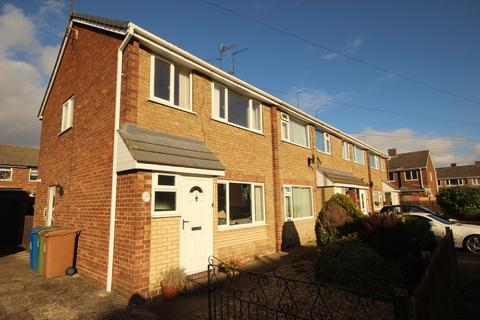 3 bedroom semi-detached house for sale - Lyndhurst Close, Beverley