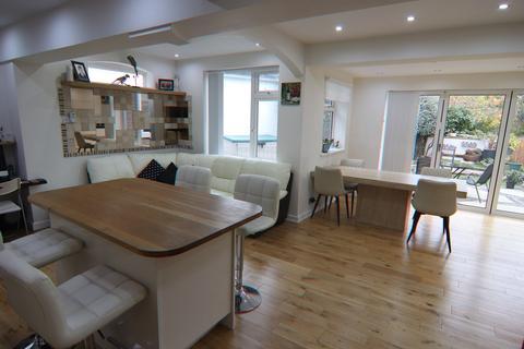 3 bedroom detached bungalow for sale - Court Road, Orpington