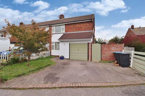 3 bedroom end of terrace house for sale - Stirling Court Road, Burgess Hill, West Sussex