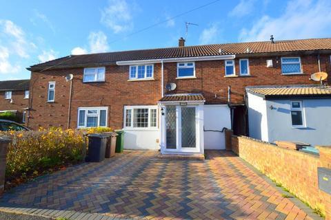 3 bedroom terraced house for sale - Wodecroft Road, Runfold, Luton, Bedsfordshire, LU3 2EZ