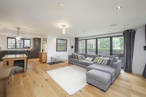 4 bedroom semi-detached house for sale - Redriff Road, London SE16