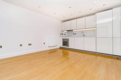 2 bedroom apartment to rent - The Broadway, Loughton