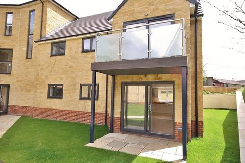 2 bedroom apartment for sale - Garden Apartment,14 Old Orchard Court Witney OX28 4DF