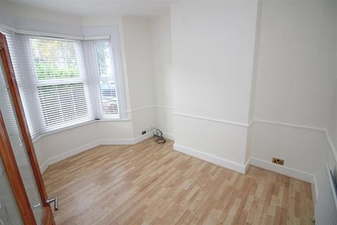 2 bedroom flat to rent - Orford Road, London