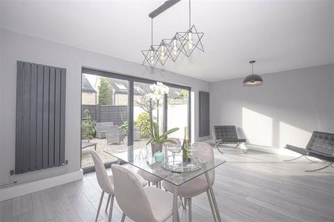 2 bedroom end of terrace house for sale - South 10th Street, Central Milton Keynes, Milton Keynes