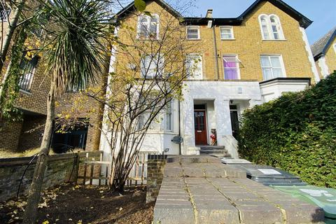 2 bedroom flat to rent - Gipsy Road, London