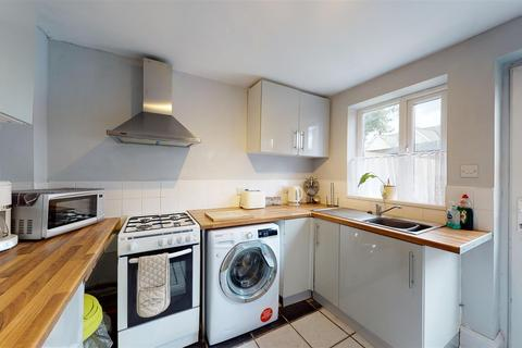 2 bedroom house - Barrow Green, Teynham, Sittingbourne