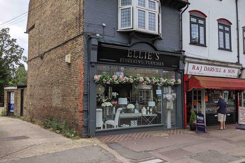 Shop to rent - 192 Main Road, Gidea Park, Romford, Essex