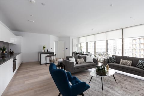 4 bedroom flat - 09C.02.15, Compass House, Royal Wharf, London, E16