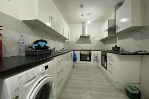 Studio to rent - Vernon Road , Feltham  TW13