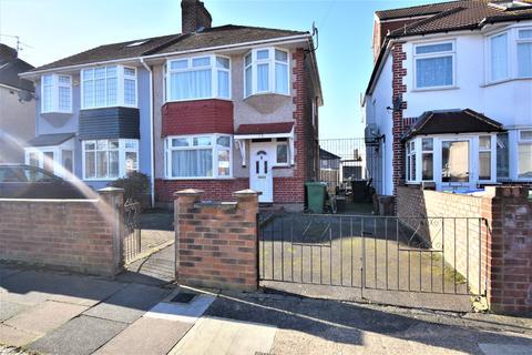 3 bedroom semi-detached house for sale - Buxton Road Erith DA8