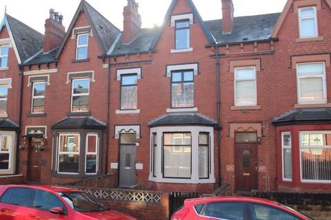 4 bedroom terraced house to rent - Mexborough Drive, Chapeltown, LS7 3EN