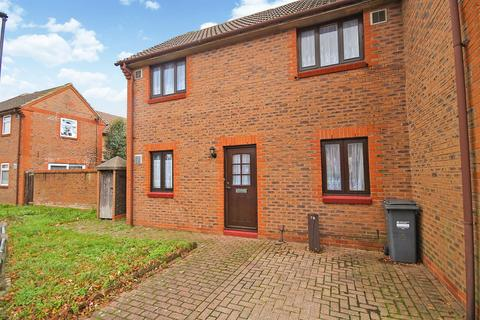 2 bedroom end of terrace house for sale - Kilross Road, Feltham, TW14