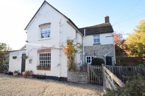 4 bedroom detached house for sale - 4 Bed House + 2 Bed Annex. Roke