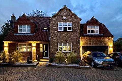 5 bedroom detached house for sale - The Moat, Hedon, Hull, HU12