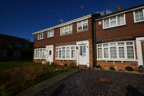 3 bedroom terraced house to rent - Wells Road Strood ME2