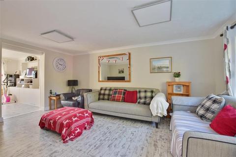 3 bedroom semi-detached house - Orchard Crescent, Horsmonden, Tonbridge, Kent