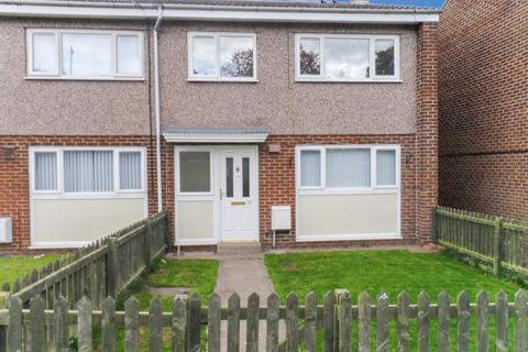 3 bedroom terraced house to rent - St. Christophers Close, Ashington, Northumberland, NE63 9DG