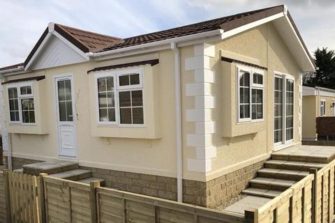 2 bedroom park home for sale - Avon Park, Netheravon, Salisbury, SP4 9RA