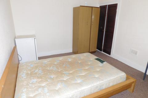 4 bedroom house share to rent - Vine Street, M11