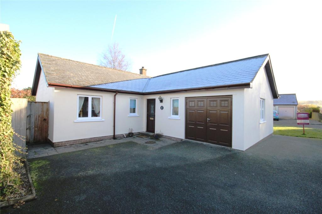 3 Bedrooms Detached Bungalow for sale in Trecastle, Brecon, Powys