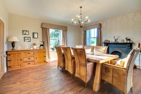 5 bedroom house for sale - Woodside