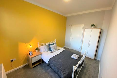 1 bedroom house share - Room 4, Sir Thomas Whites Road