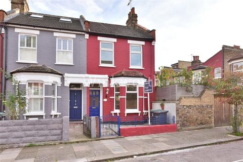3 bedroom end of terrace house for sale - Alton Road, London, N17