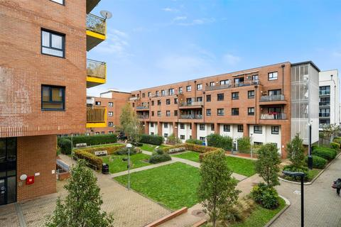3 bedroom apartment for sale - Headbourne House, Sutherland Road, Walthamstow, E17