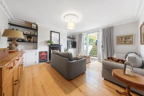 2 bedroom flat - Dulwich Road, SE24