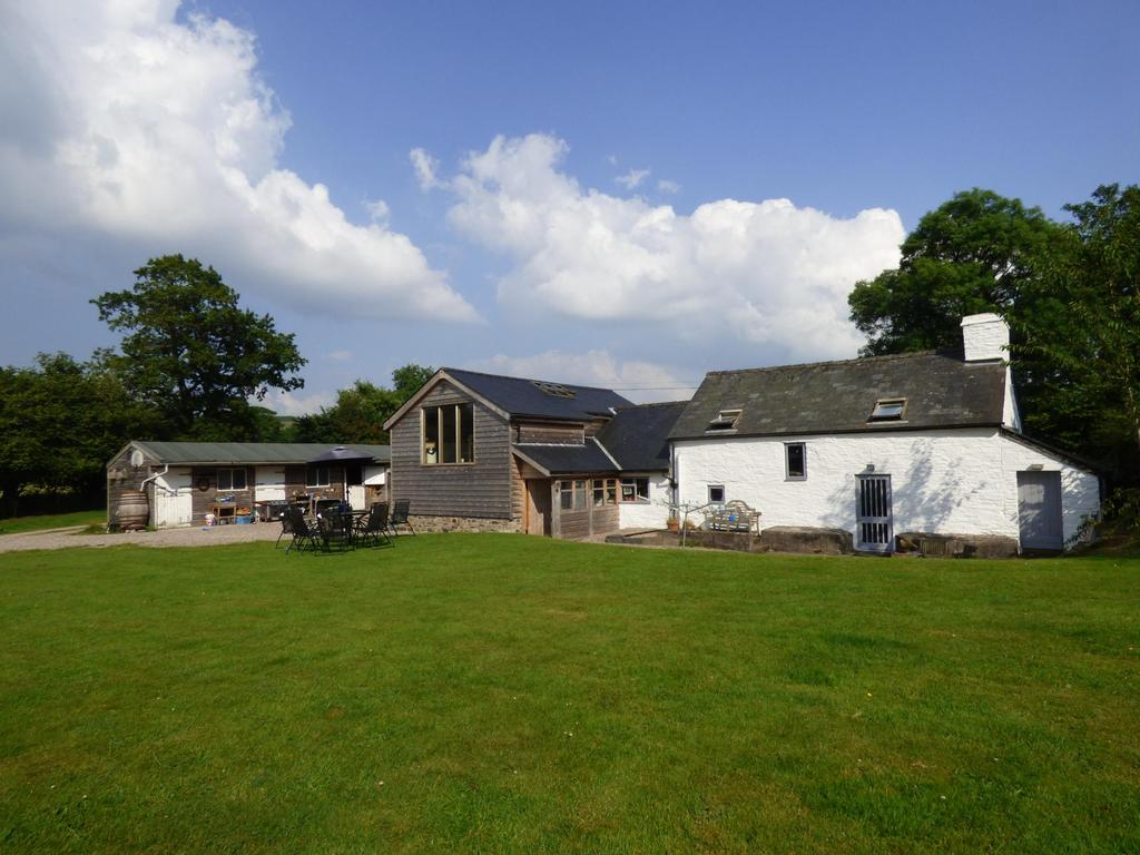4 Bedrooms Equestrian Facility Character Property for sale in Llandeilo Graban, Builth Wells, Powys