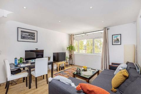 2 bedroom flat to rent - Cedars Road, Clapham, London